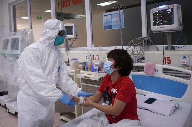 Mục sở thị phòng cách ly đặc biệt điều trị nhiều bệnh nhân COVID-19 nhất Việt Nam - Ảnh 9.