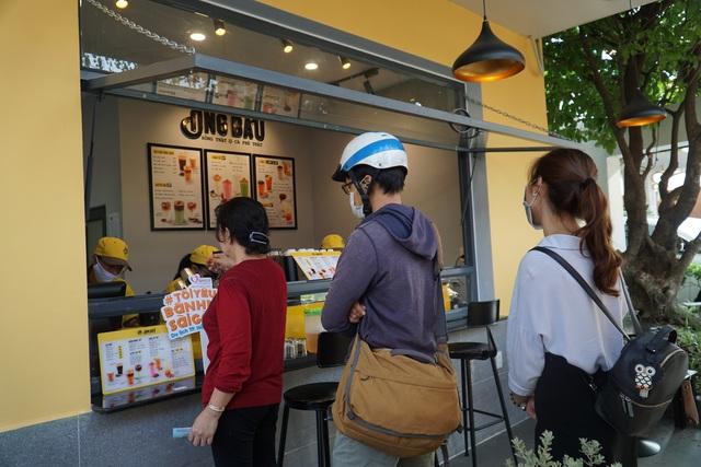 Chuỗi cà phê Ông Bầu triển khai chương trình mua cà phê – tặng bánh mỳ thịt - Ảnh 2.