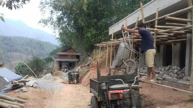 """Huyện Quan Hóa, Thanh Hóa: Trớ trêu """"làng đèn dầu"""" cạnh... nhà máy thủy điện - Ảnh 1."""