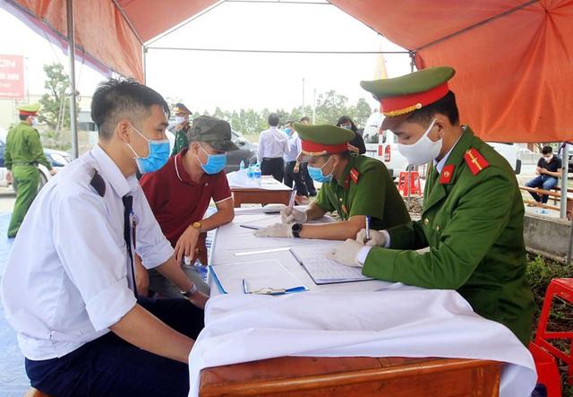 Hải Phòng kiểm soát y tế mọi trường hợp ngoại tỉnh vào địa phương - Ảnh 12.