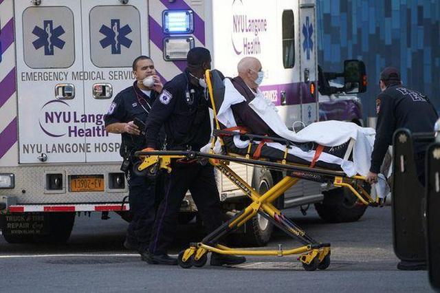 Các bệnh viện Mỹ khủng hoảng với sự thiếu hụt y tá chưa từng có - Ảnh 4.