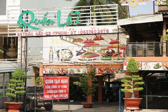 Nhà hàng, quán ăn, tiệm tóc, trà sữa, cà phê... đóng cửa treo biển chung tay chống dịch - Ảnh 10.