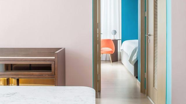 KTS lột xác cho căn hộ 46m² với bảng màu sáng để làm cho các phòng có vẻ lớn hơn - Ảnh 2.