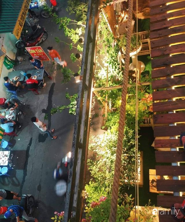 Ngôi nhà đẹp yên bình, lãng mạn nhờ người đàn ông đảm đang tự decor vườn và trồng đủ loại hồng ở Sài Gòn - Ảnh 5.