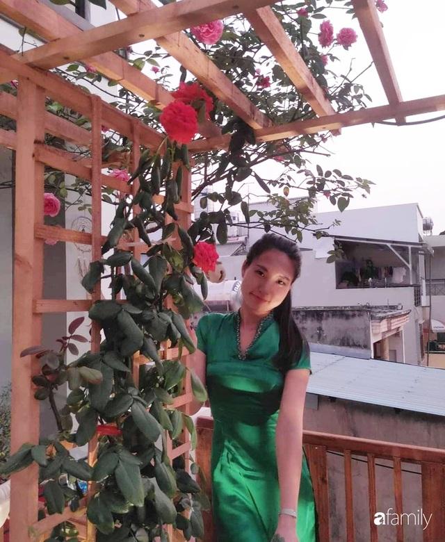 Ngôi nhà đẹp yên bình, lãng mạn nhờ người đàn ông đảm đang tự decor vườn và trồng đủ loại hồng ở Sài Gòn - Ảnh 32.