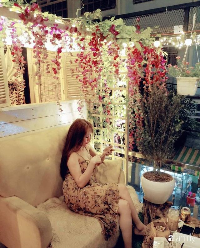 Ngôi nhà đẹp yên bình, lãng mạn nhờ người đàn ông đảm đang tự decor vườn và trồng đủ loại hồng ở Sài Gòn - Ảnh 34.
