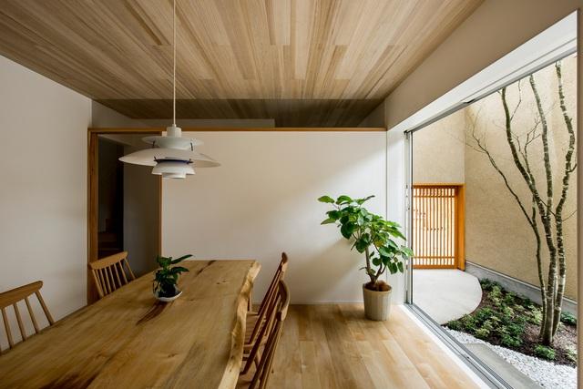 Ngôi nhà bình yên đến nao lòng với khoảng sân vườn thiết kế nghệ thuật đẹp như tranh vẽ  - Ảnh 3.