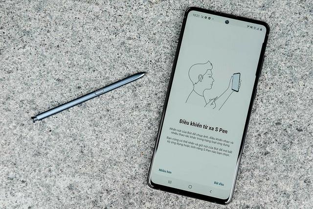Những smartphone cận cao cấp giảm giá tiền triệu - Ảnh 2.