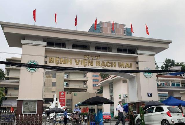 KHẨN: 4 việc cần làm ngay với những người đã tới Bệnh viện Bạch Mai từ 12/3 đến nay - Ảnh 2.
