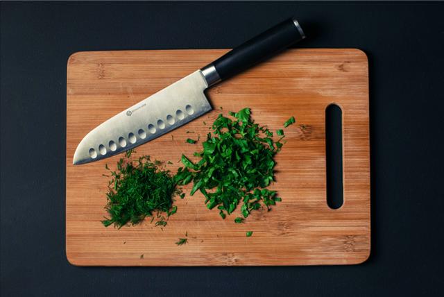 Thói quen cắt chanh nhiều người mắc khiến dao mới mua đã cùn chỉ sau vài lần sử dụng - Ảnh 6.