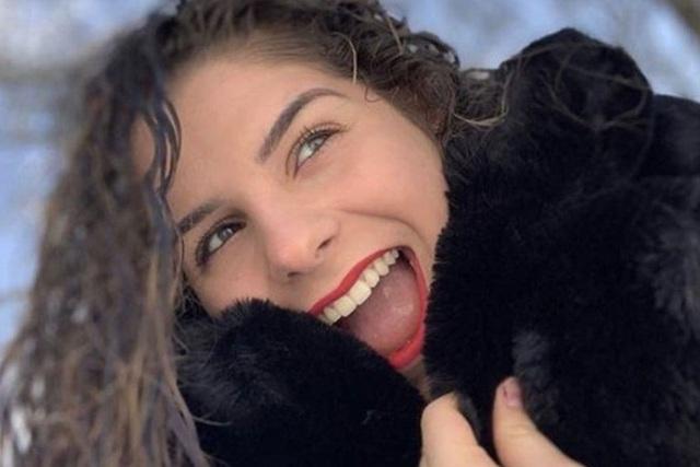 Nữ sinh 16 tuổi qua đời sau khi nhiễm Covid-19 - Ảnh 1.