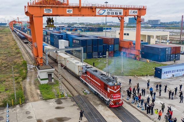 Chuyến tàu đầu tiên rời Vũ Hán tới châu Âu sau lệnh phong tỏa - Ảnh 3.