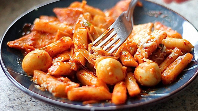 7 món ăn thường được dùng để cắt cơn đói nhưng chuyên gia chỉ rõ tác hại khủng khiếp - Ảnh 7.