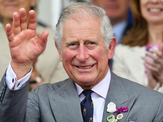 Tin vui của hoàng gia Anh: Thái tử Charles hết cách ly không còn triệu chứng bệnh COVID-19 - Ảnh 2.
