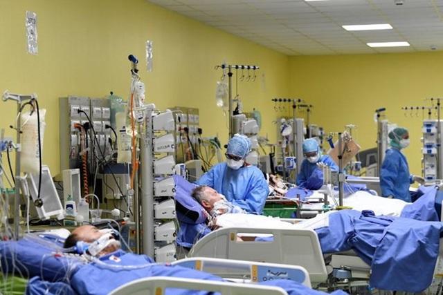 Hơn 101.700 người nhiễm, Italy được dự báo vẫn chưa tới đỉnh dịch; số người nhiễm COVID-19 tại Mỹ vọt lên gấp đôi Trung Quốc - Ảnh 5.