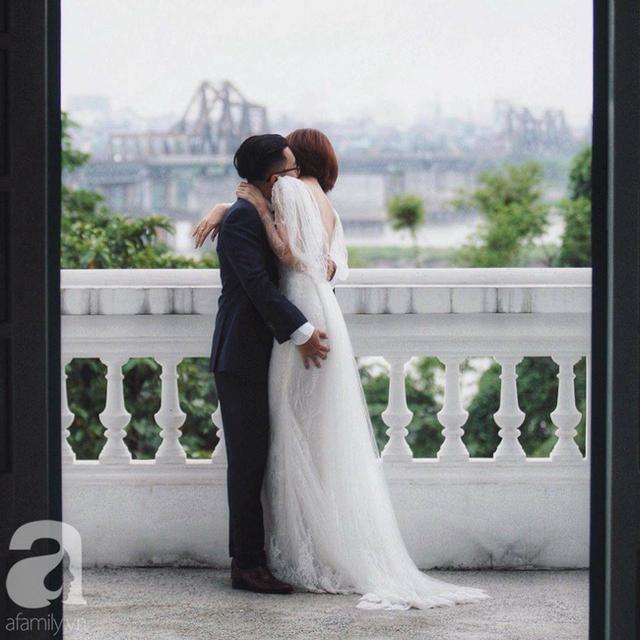 Bị nhà gái phản đối vì bỏ tất cả các lễ nghi, chàng trai tạo bất ngờ với đám cưới sang-xịn vỏn vẹn 50 khách tại biệt thự Pháp cổ  - Ảnh 10.