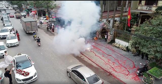 Bắt một đối tượng vụ đốt bánh pháo dài 50m trong đám cưới ở Hà Nội - Ảnh 3.