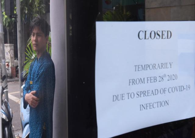 Chùm ảnh: Khách sạn đóng cửa, công ty lữ hành giảm giá kịch sàn mùa dịch COVID-19  - Ảnh 3.
