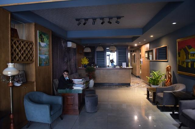 Chùm ảnh: Khách sạn đóng cửa, công ty lữ hành giảm giá kịch sàn mùa dịch COVID-19  - Ảnh 4.