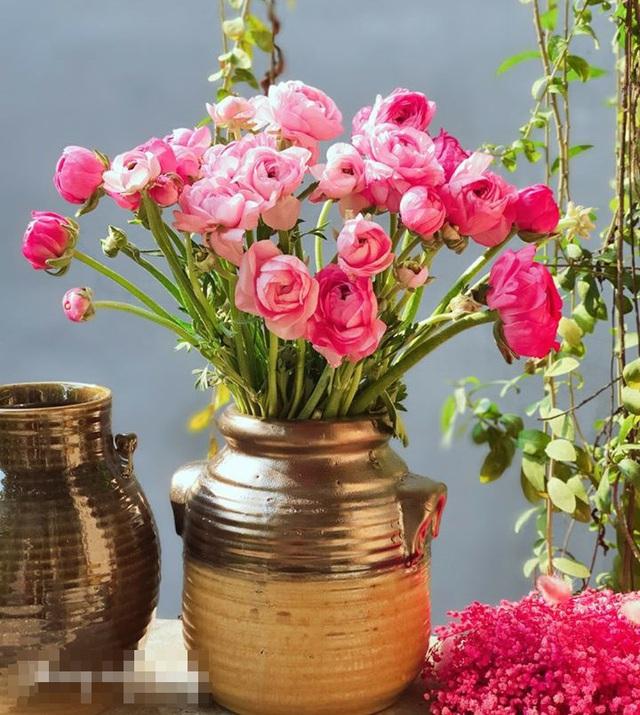 Trong khi giá hoa đang rớt thê thảm thì đây là loài hoa duy nhất hút khách rần rần dịp 8/3 - Ảnh 6.