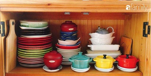 Phòng bếp chỉ rộng 6m² nhưng nhờ kinh nghiệm sắp xếp tối giản mẹ đảm ở Hà Nội vẫn khiến không gian ngăn nắp, gọn gàng - Ảnh 12.