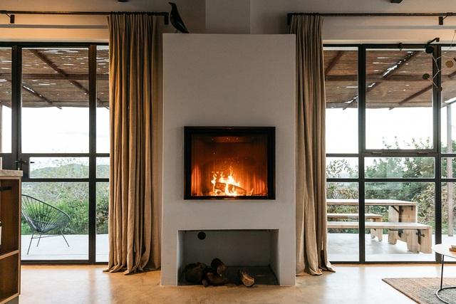 Căn nhà cấp 4  màu trắng nổi bật giữa thiên nhiên hoang sơ với cách thiết kế rất sinh động - Ảnh 14.