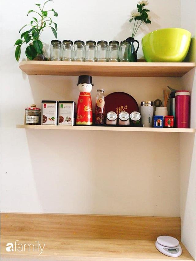 Phòng bếp chỉ rộng 6m² nhưng nhờ kinh nghiệm sắp xếp tối giản mẹ đảm ở Hà Nội vẫn khiến không gian ngăn nắp, gọn gàng - Ảnh 14.