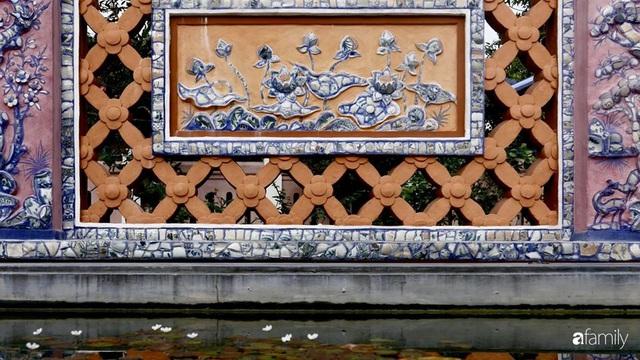 Ngôi nhà gần trăm năm tuổi bên cạnh khu vườn hoa hồng gói gọn những lặng lẽ, yên bình của xứ Huế mộng mơ - Ảnh 21.
