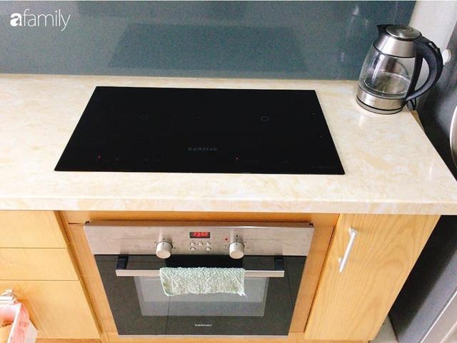Phòng bếp chỉ rộng 6m² nhưng nhờ kinh nghiệm sắp xếp tối giản mẹ đảm ở Hà Nội vẫn khiến không gian ngăn nắp, gọn gàng - Ảnh 4.