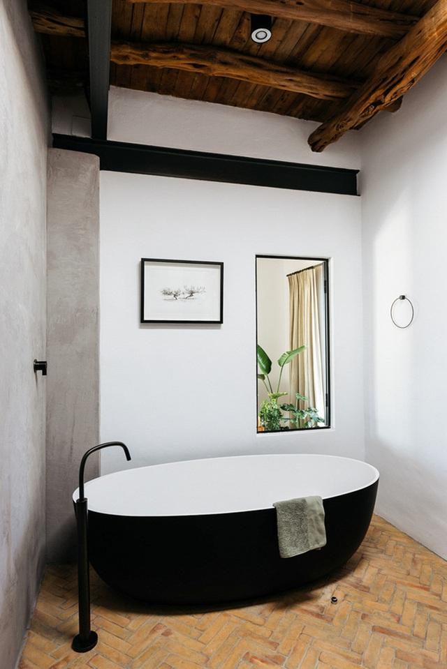 Căn nhà cấp 4  màu trắng nổi bật giữa thiên nhiên hoang sơ với cách thiết kế rất sinh động - Ảnh 23.