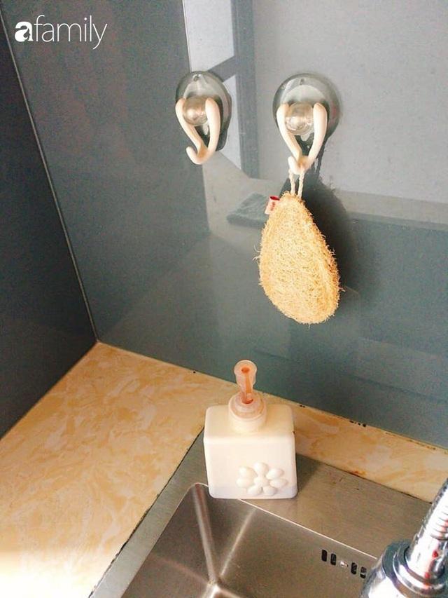 Phòng bếp chỉ rộng 6m² nhưng nhờ kinh nghiệm sắp xếp tối giản mẹ đảm ở Hà Nội vẫn khiến không gian ngăn nắp, gọn gàng - Ảnh 9.