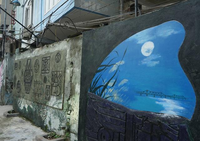 Từ con đường rác biến thành không gian nghệ thuật dưới chân cầu Long Biên - Ảnh 9.
