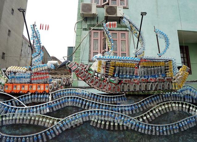 Từ con đường rác biến thành không gian nghệ thuật dưới chân cầu Long Biên - Ảnh 4.