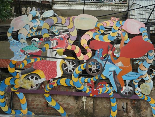 Từ con đường rác biến thành không gian nghệ thuật dưới chân cầu Long Biên - Ảnh 13.