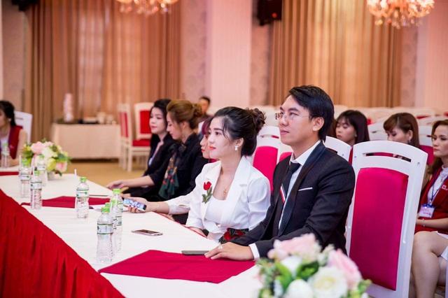 Gia đình nhỏ hạnh phúc của cặp vợ chồng nữ doanh nhân Phan Phạm Phương Uyên - Ảnh 2.