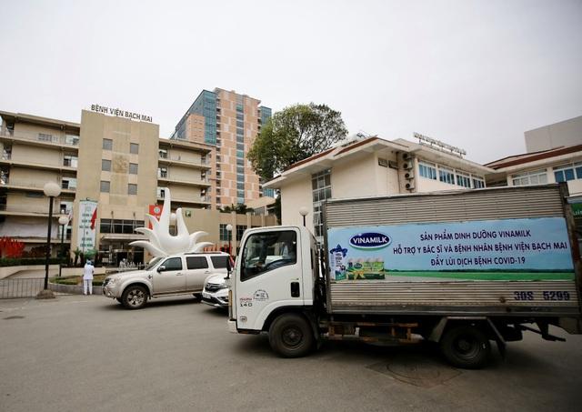 """Vinamilk """"cấp tốc chi viện"""" gần 150 ngàn sản phẩm sữa dinh dưỡng cho bệnh viện Bạch Mai trong giai đoạn cách ly vì dịch bệnh - Ảnh 2."""