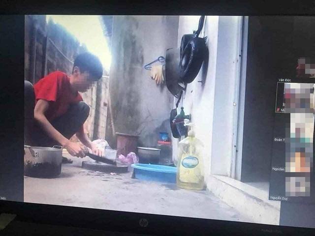 Đang học online thì mẹ bắt đi nấu cơm, sợ giáo viên không tin nên nam sinh chứng minh luôn - Ảnh 1.