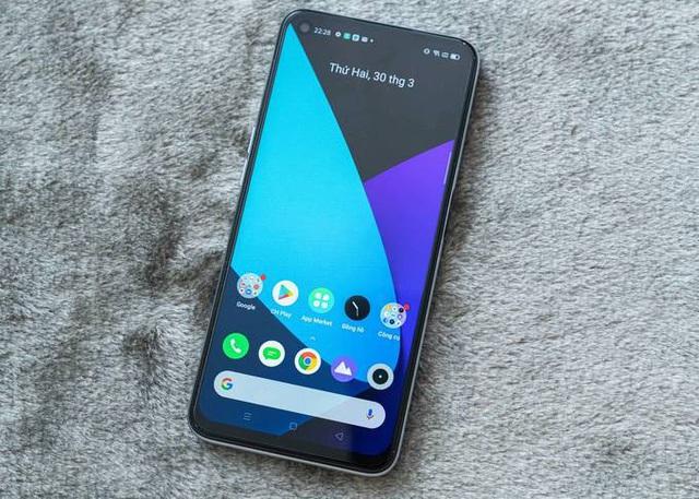 5 smartphone đáng chú ý bán trong tháng 4 - Ảnh 2.