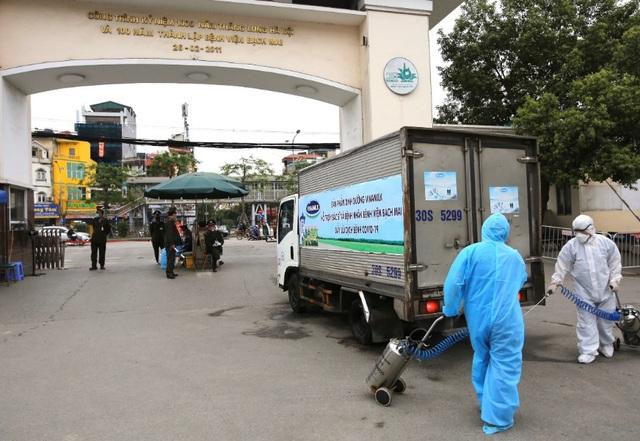 """Vinamilk """"cấp tốc chi viện"""" gần 150 ngàn sản phẩm sữa dinh dưỡng cho bệnh viện Bạch Mai trong giai đoạn cách ly vì dịch bệnh - Ảnh 3."""