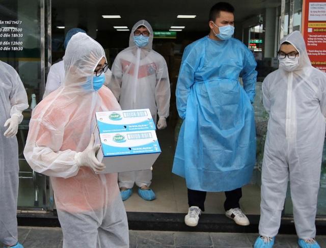 """Vinamilk """"cấp tốc chi viện"""" gần 150 ngàn sản phẩm sữa dinh dưỡng cho bệnh viện Bạch Mai trong giai đoạn cách ly vì dịch bệnh - Ảnh 4."""