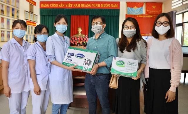 """Vinamilk """"cấp tốc chi viện"""" gần 150 ngàn sản phẩm sữa dinh dưỡng cho bệnh viện Bạch Mai trong giai đoạn cách ly vì dịch bệnh - Ảnh 6."""
