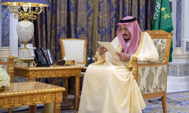 New York Times: 150 thành viên hoàng gia Saudi Arabia nhiễm Covid-19 - Ảnh 1.