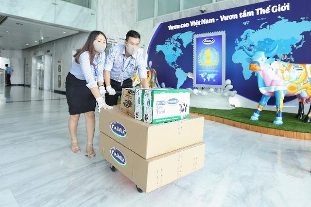 """""""Món quà"""" đặc biệt của nhân viên Vinamilk gửi tặng trẻ em khó khăn cả nước trong dịch bệnh - Ảnh 2."""