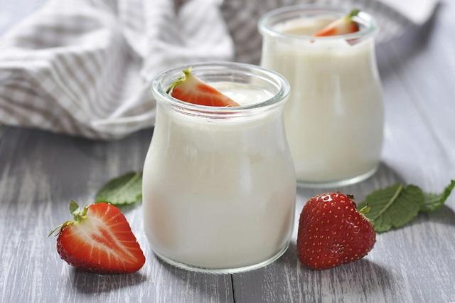 Sữa chua rất tốt nhưng 8 kiểu ăn này không khác nào rước họa vào thân, bất cứ ai cũng thường mắc phải hàng ngày - Ảnh 1.