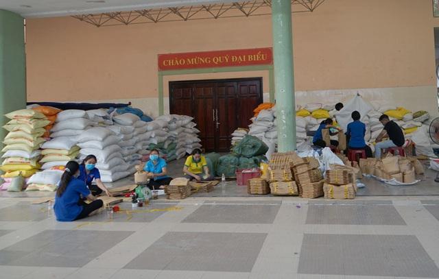 Các cây ATM gạo ở Sài Gòn... bị ế vì vắng khách - Ảnh 15.