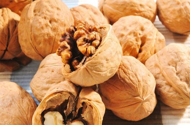 Sau tuổi 40, phụ nữ ăn 3 loại quả này thường xuyên sẽ giúp thải độc, giảm cân, làm đẹp và ngăn ngừa lão hóa - Ảnh 3.