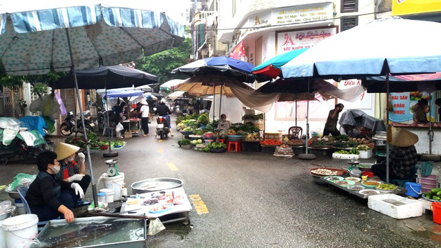 Dừng họp chợ ở Hải Dương: Nơi vẫn bán, chỗ không bóng người  - Ảnh 11.