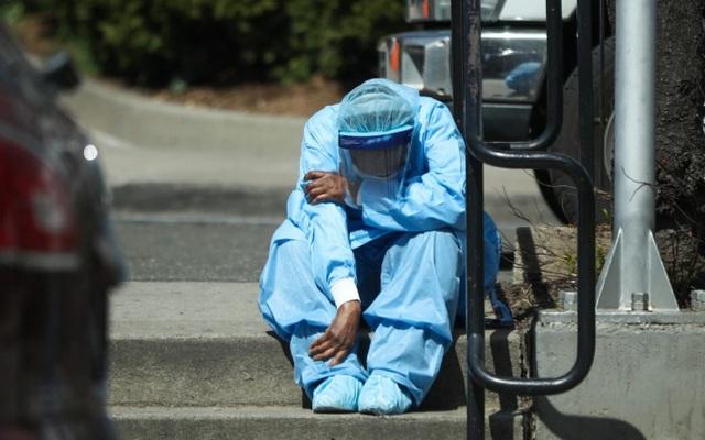 Thế giới chạm ngưỡng 65.000 người tử vong vì COVID-19, nước Mỹ bất lực nhìn số ca nhiễm leo thang - Ảnh 4.