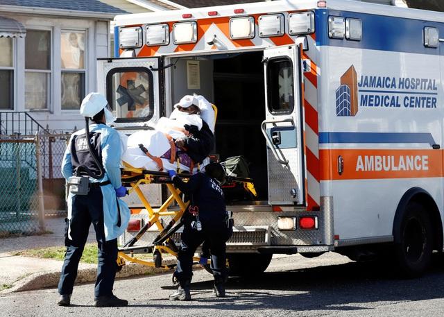 Thế giới chạm ngưỡng 65.000 người tử vong vì COVID-19, nước Mỹ bất lực nhìn số ca nhiễm leo thang - Ảnh 3.