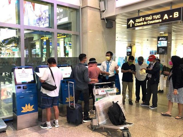 Nhiều hành khách hủy vé bay khi Đà Nẵng quy định thu phí cách ly người đến từ Hà Nội, TP.HCM - Ảnh 4.